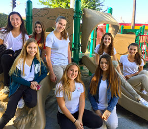 Las Ninas serves OIC - Playground - lasmadrecitas-lasninas.com